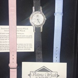 New in box Victoria Wieck Beverly Hills watch set